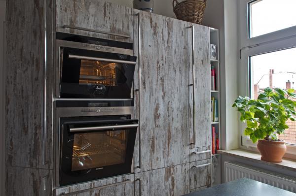 moderne zeitlose grifflose und landhaus k chen ihr k chenstudio im saale orla kreis. Black Bedroom Furniture Sets. Home Design Ideas