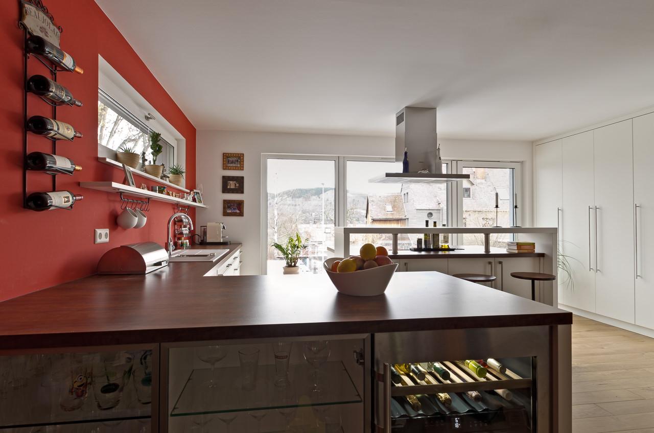 Moderne Küche mit Kochinsel - Ihr Küchenstudio im Saale-Orla ...